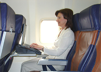 airplane-laptop.jpg