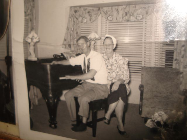 mom-and-dad-at-piano.JPG