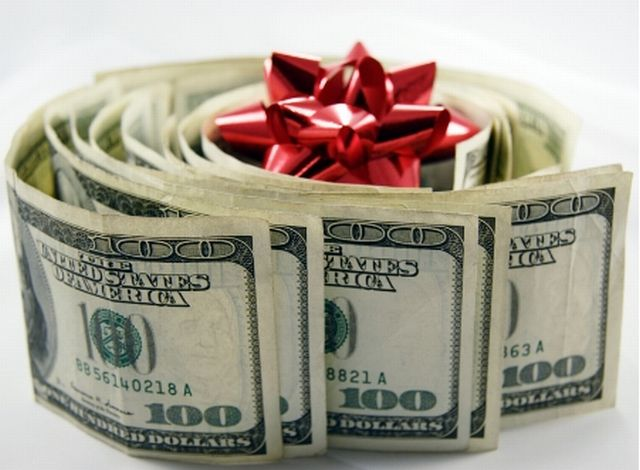 10-money-wad-with-ribbon.jpg