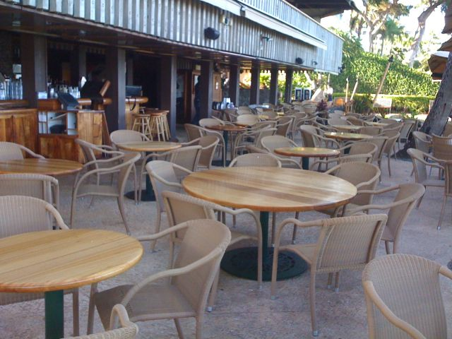 empty-tables-at-whalers.jpg