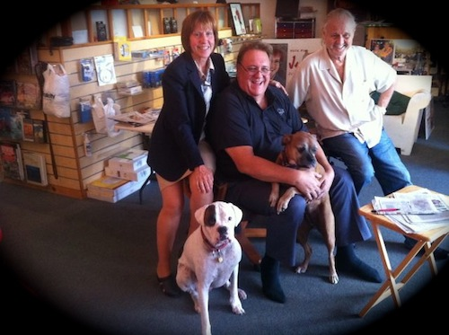 big-mike-with-dogs-ron-and-macmouse-team.jpg